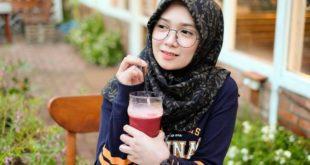 wanita berhijab kerudung jilbab cantik