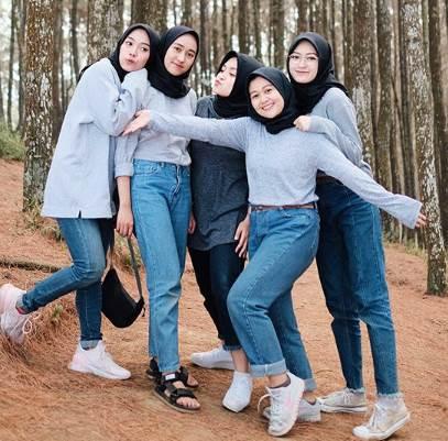 Tips Fashion Hijab Remaja Terbaru Kekinian yang Anggun dan ...