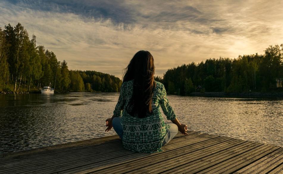 relaksasi menenangkan pikiran dan menjauhkan tubuh dari penyakit
