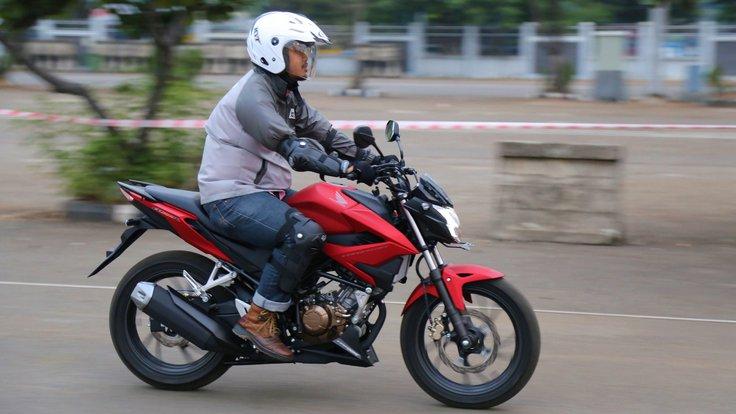 Honda-CB150R-Streetfire
